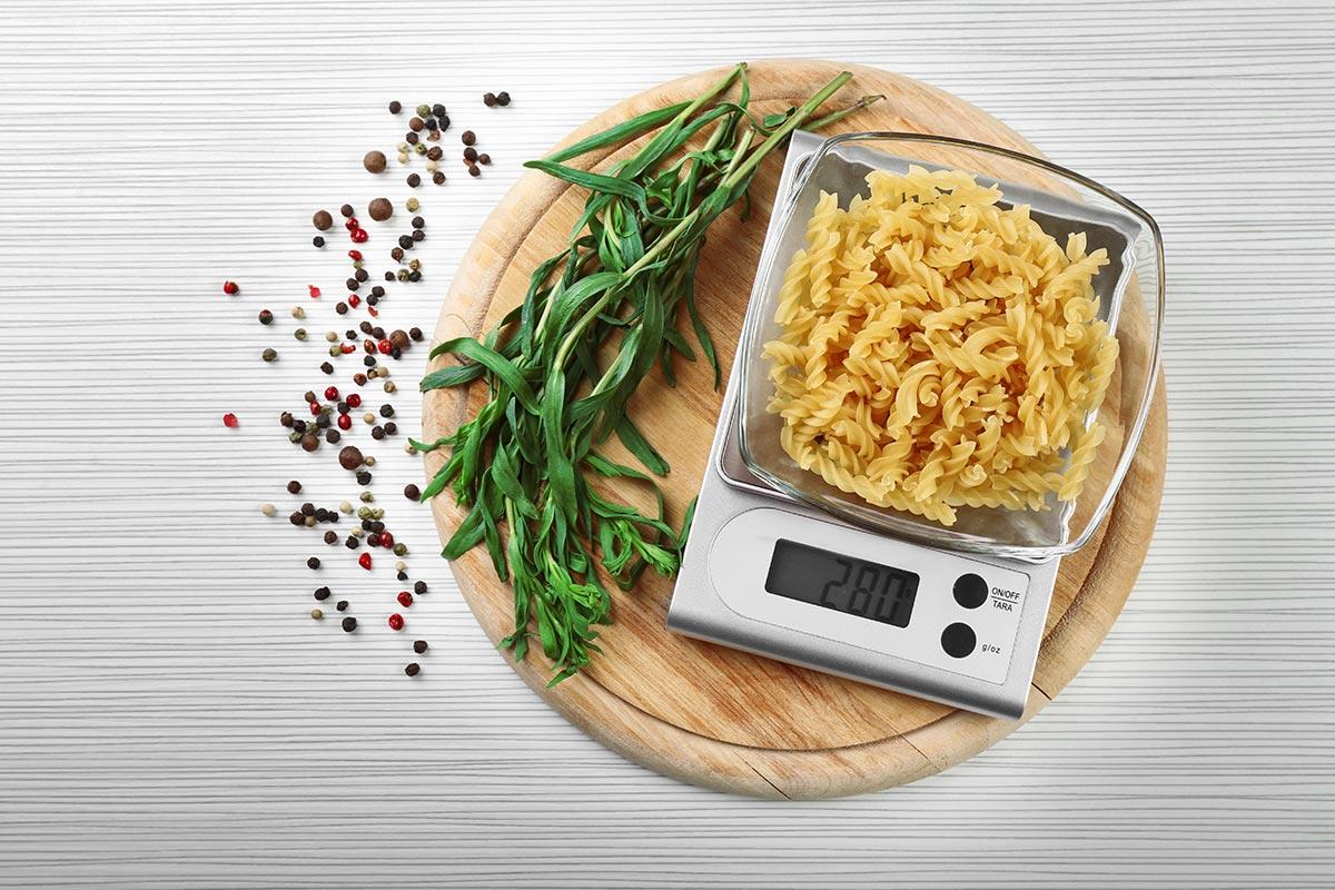 ¿Cómo contar calorías? – Fórmula y tablas para calcular la cantidad por día y por plato