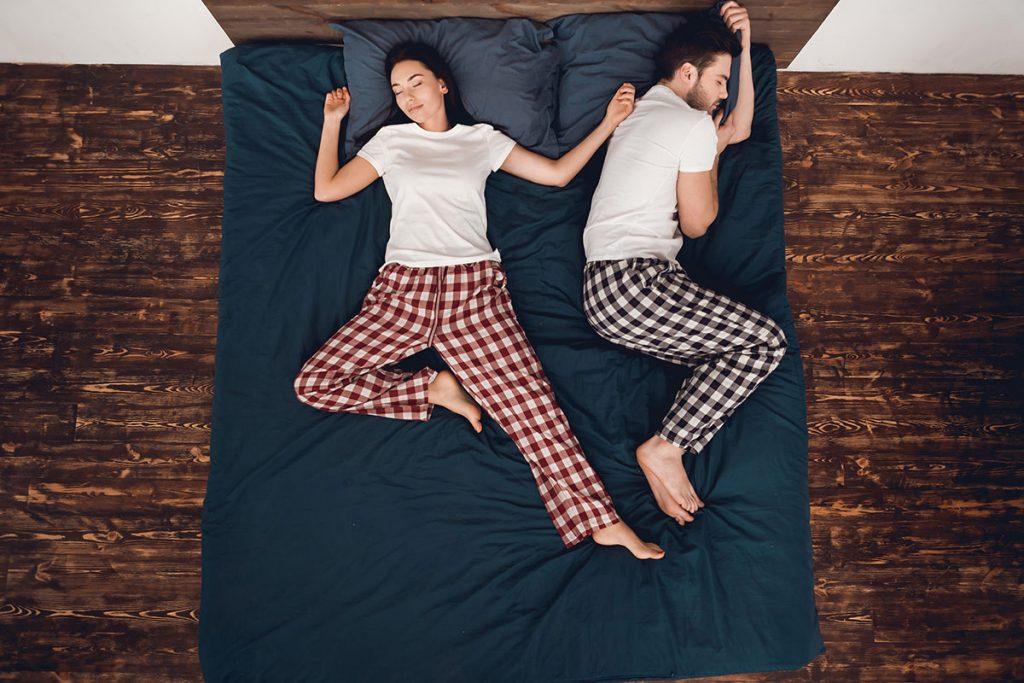 como dormir bien posturas