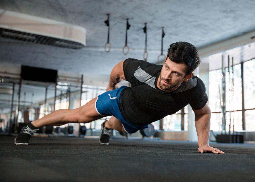 Como ganar fuerza en los brazos para hacer flexiones