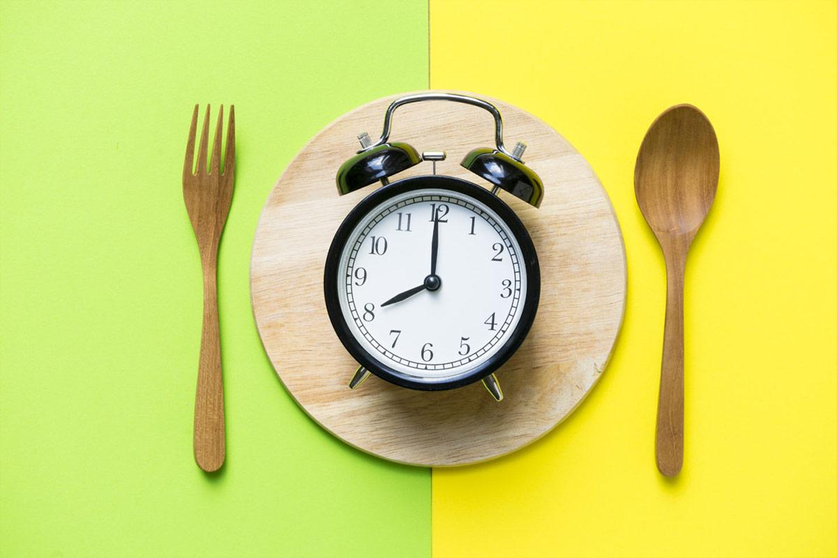 ¿Comer 5 veces al día sirve para perder peso?