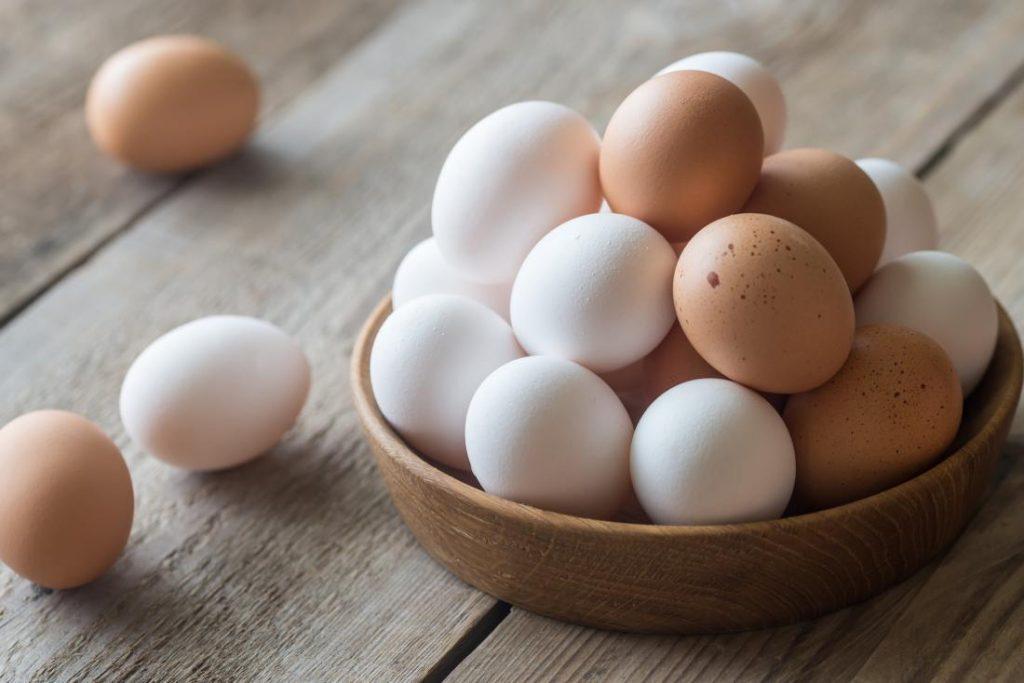 valor nutricional del huevo 100 g
