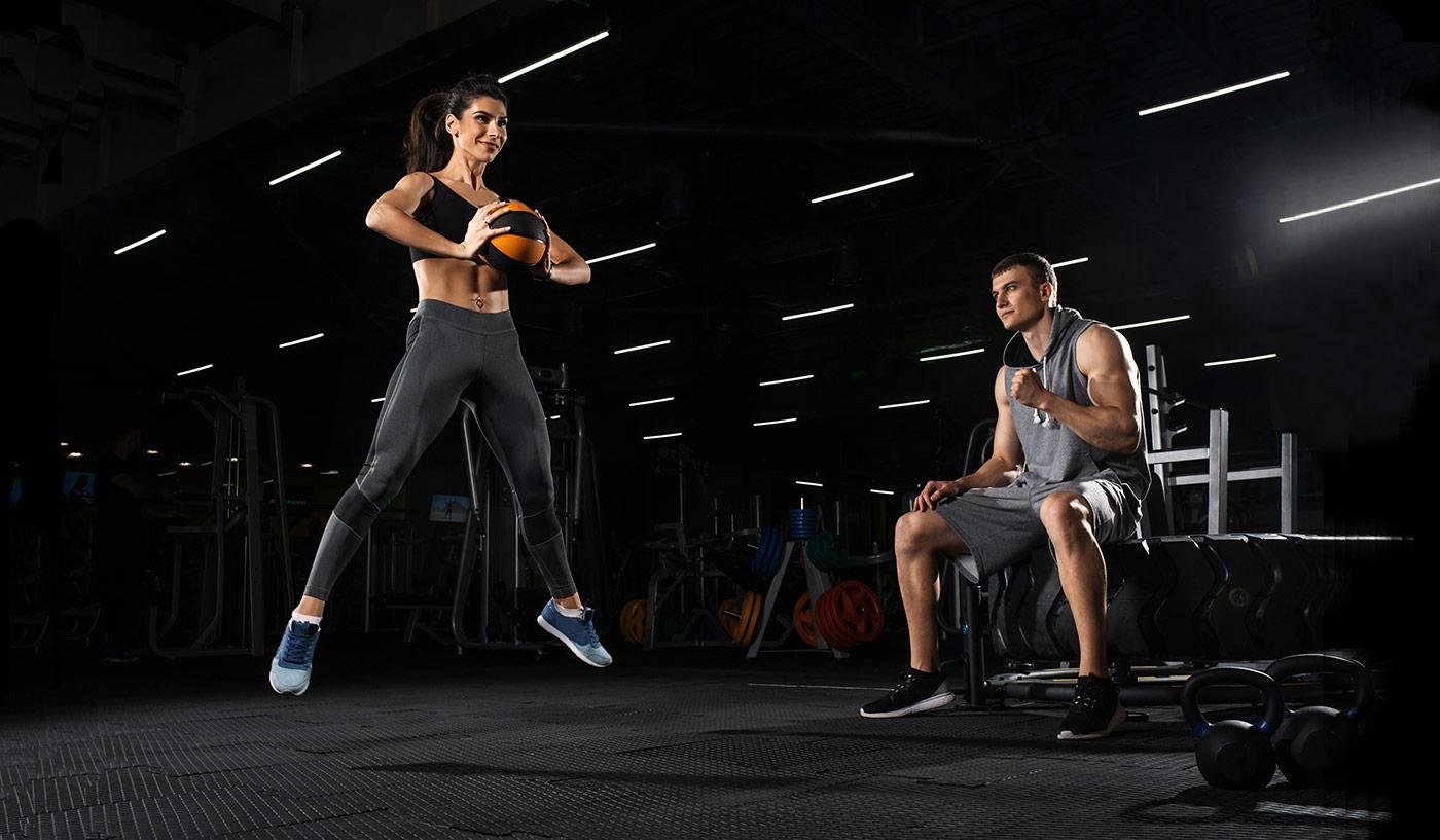 Entrenamiento funcional en circuitos – Ejemplos de ejercicios para hacer en casa