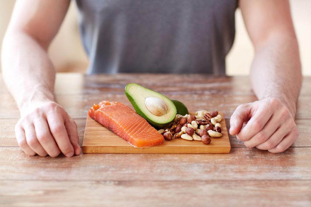 cuanta proteina se necesita para aumentar masa muscular