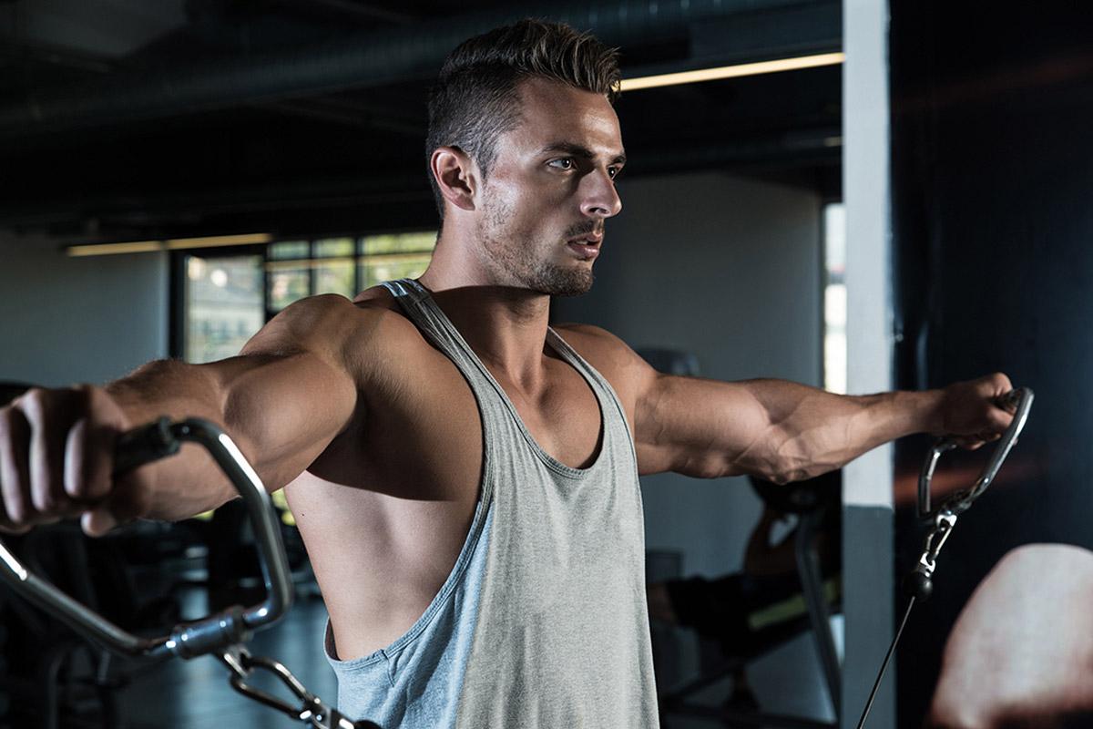 Ejercicios para trabajar hombros – Los 7 mejores para aumentar el volumen