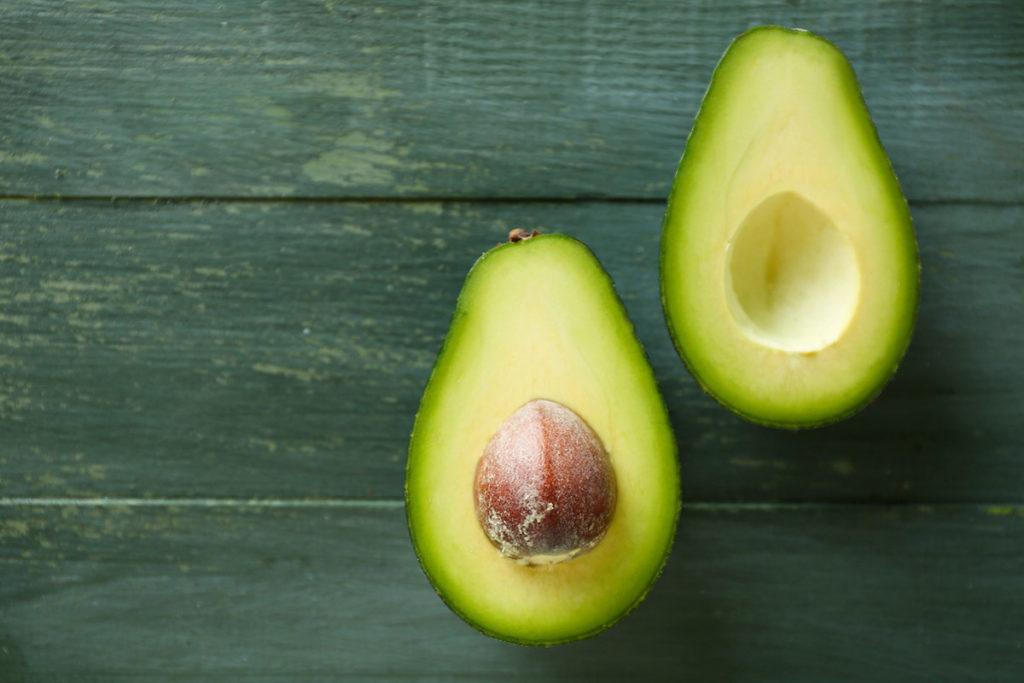 beneficios alimentos verdes aguacate