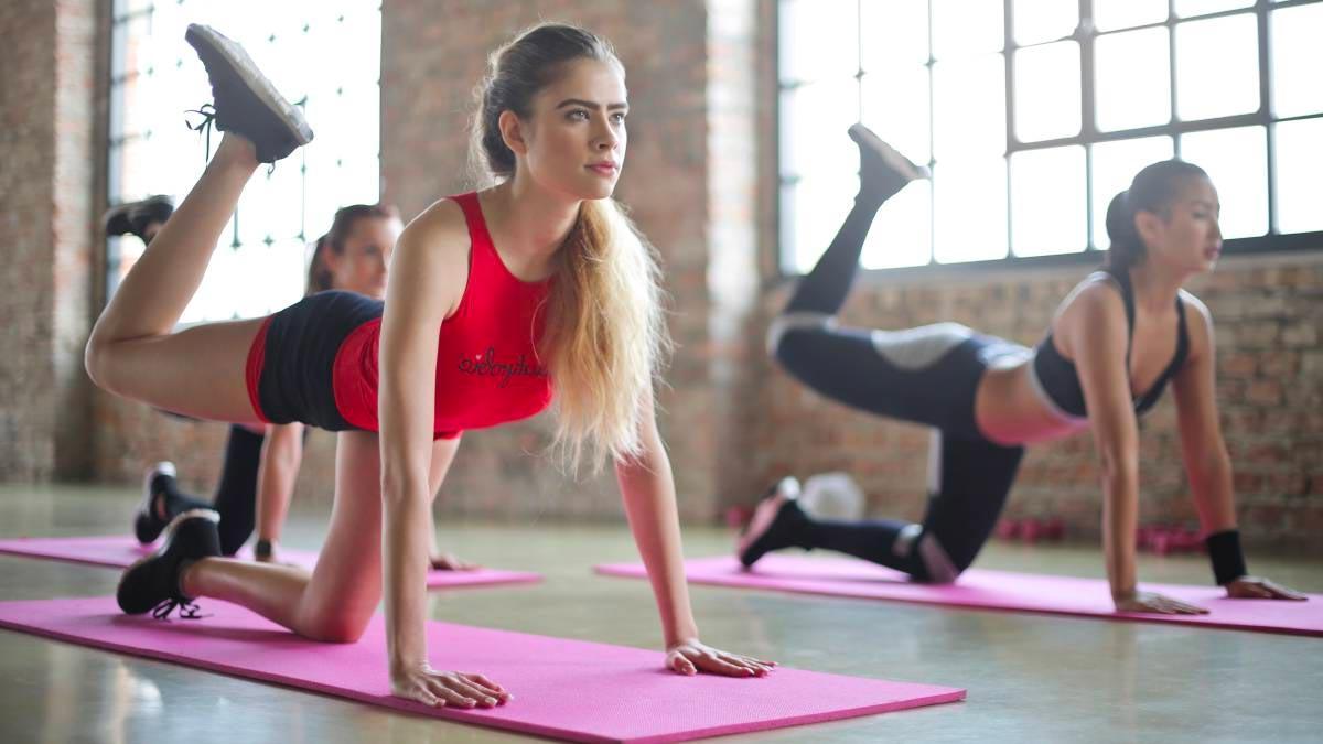 Ejercicios de yoga para corregir la postura – Los mejores para prevenir el dolor de espalda