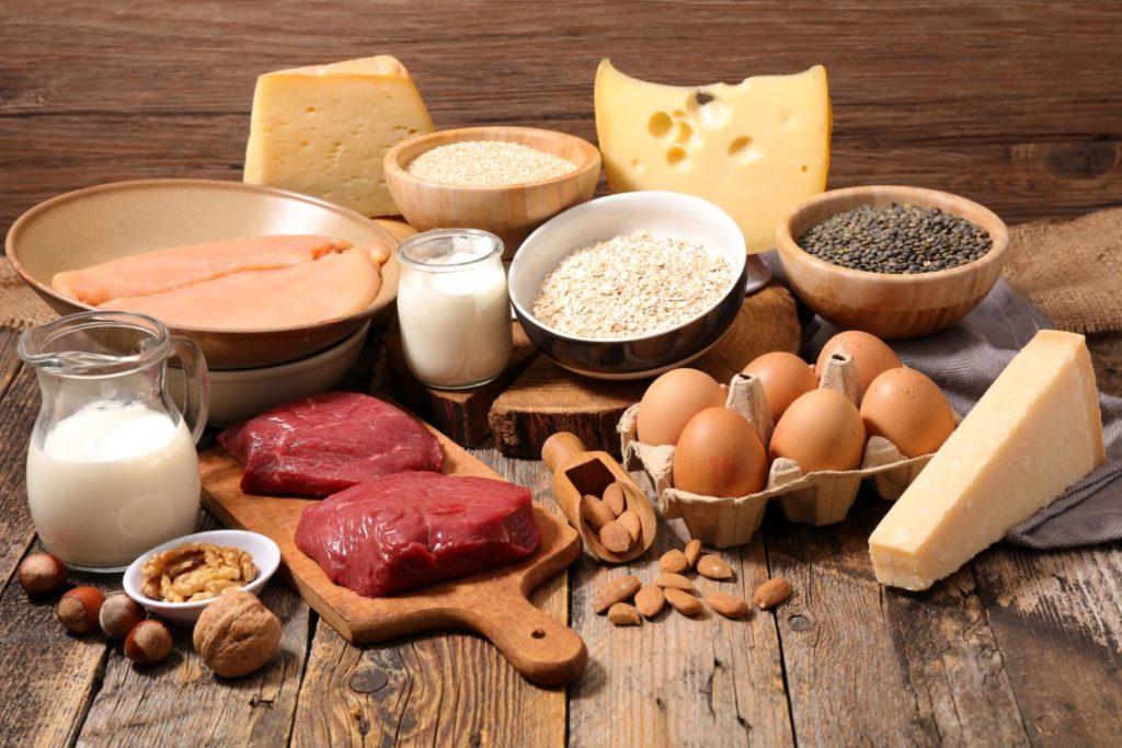 productos ricos en proteínas tabla