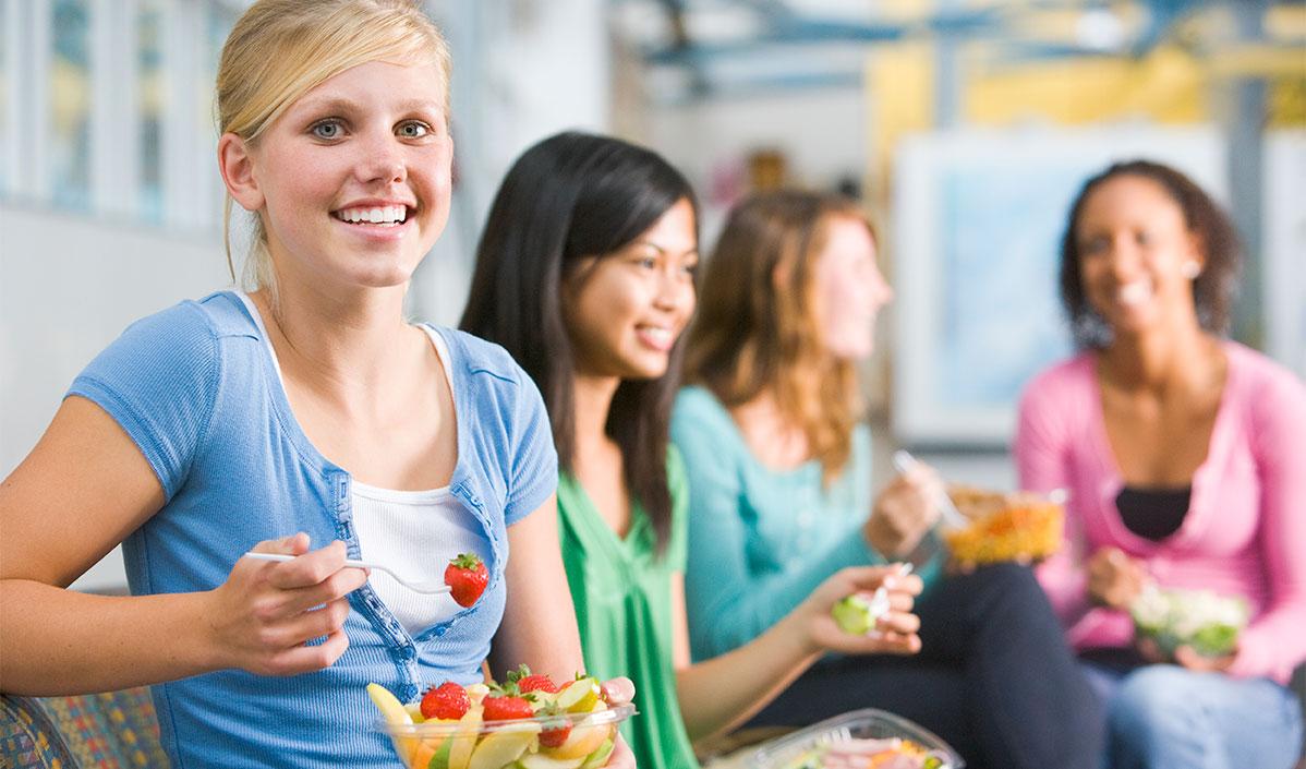 Dieta para adolescentes  –  ¿Qué alimentos comer para lograr un peso ideal?