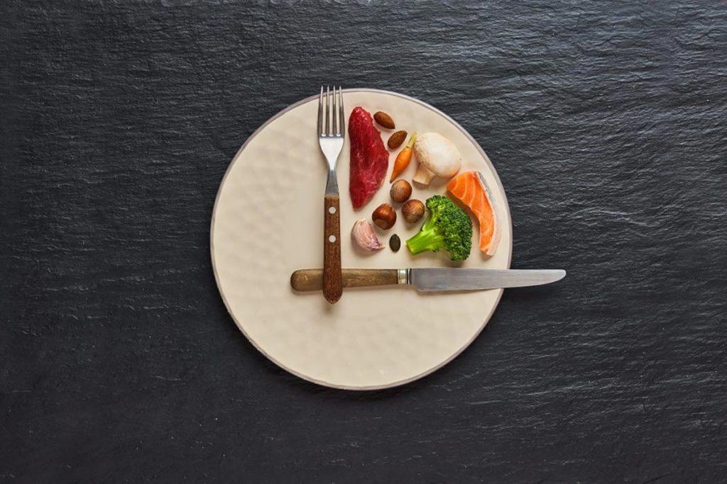 comer 5 veces al dia sirve para perder peso