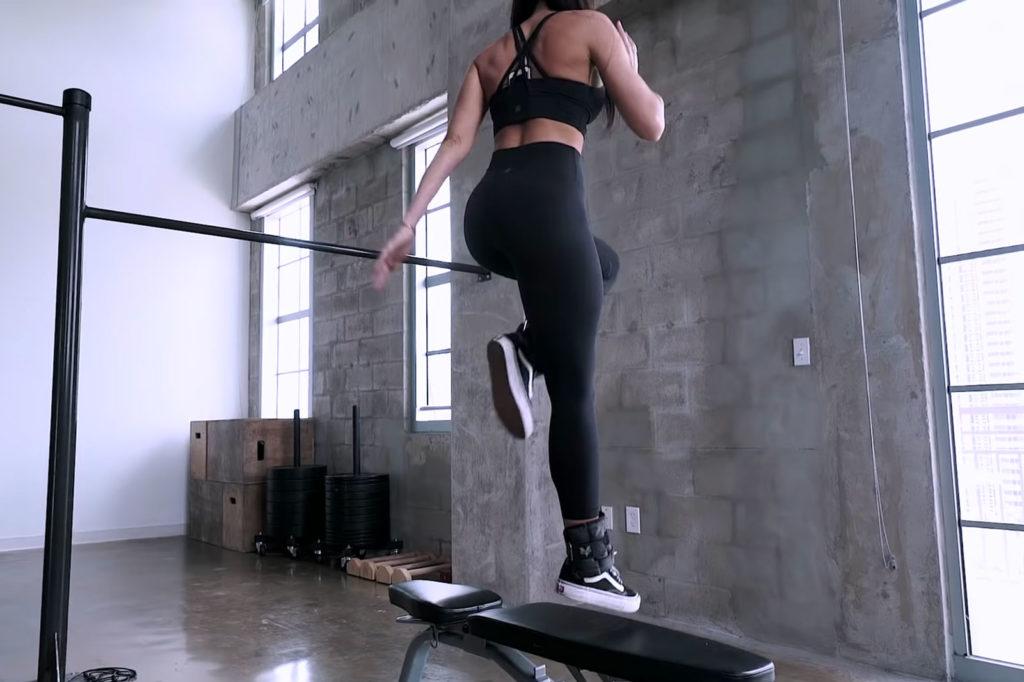 como levantar los glúteos sin pesas